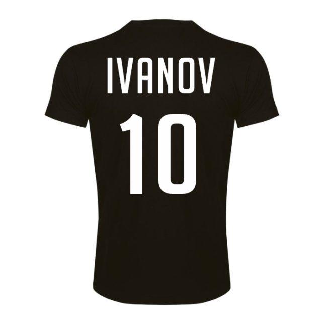 черная футболка с номером